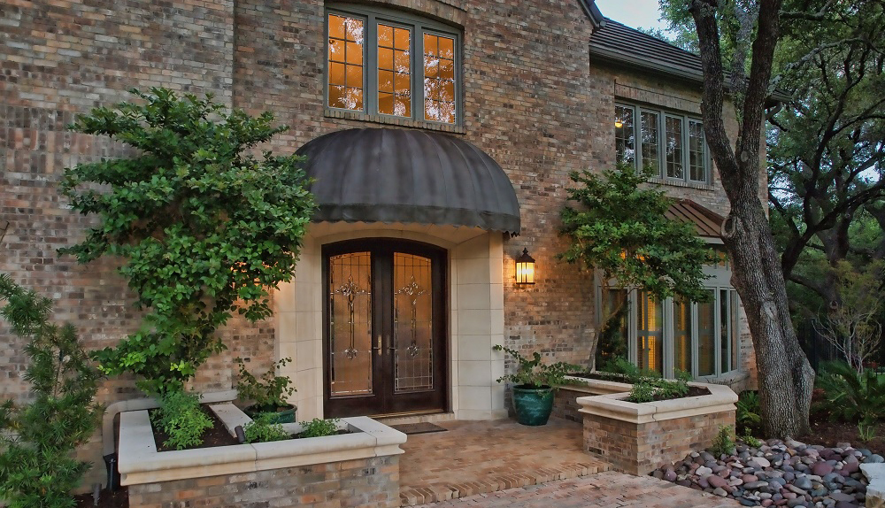 Front entrance to a luxury home in Austin