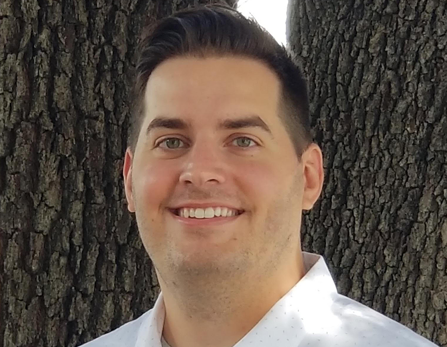 A headshot picture of realtor Drew Cline