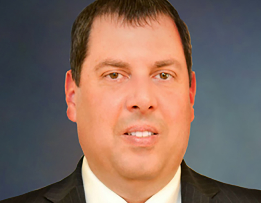 A headshot picture of Realtor Curt Nichols