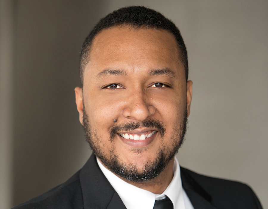 A headshot picture of Realtor Brandon Gomez