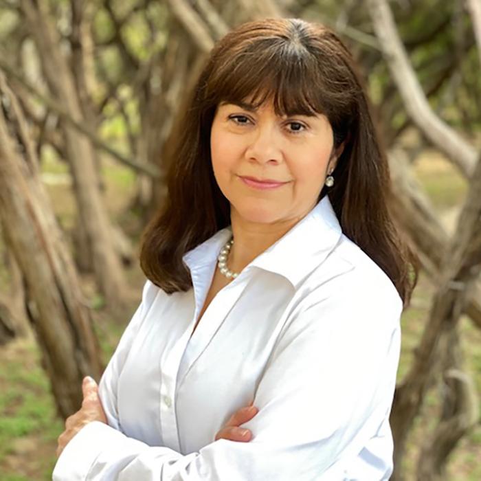 Headshot photo of Habitat Hunters Realtor Rosa Turovsky